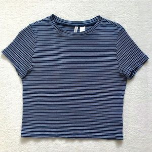 H&M Divided Striped Blue and White Cropped T-Shirt